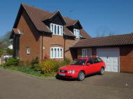 3 bed Detached house in Grays Close...
