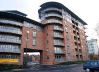 Apartment to rent in Manor House Drive...