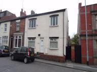 Flat in Broadstone Road, Reddish...