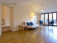 Flat to rent in Hermitage Court...