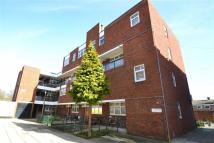 Maisonette for sale in Woking Close, Roehampton...