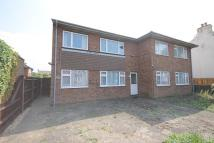 Maisonette to rent in Feltham Road, Ashford...