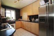 2 bed Flat to rent in Bushey Road, London