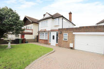 3 bed Detached property to rent in Thorndon Gardens, Epsom