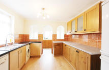 3 bed semi detached home to rent in Cambridge Road...