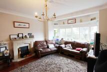 3 bedroom semi detached house in Raeburn Avenue, Surrey
