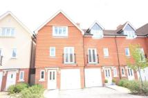 RAYNHAM CLOSE property to rent