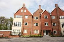2 bedroom Flat in BOXGROVE GARDENS...