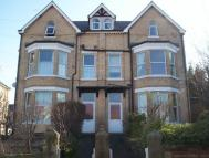 Flat to rent in Meirion Gardens...