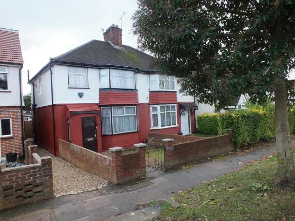bedroom semi detached house to rent in yeading lane hayes