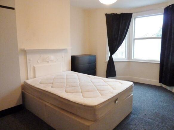 Room 5 £175pw