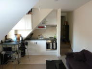Ringwood Road Flat to rent