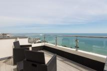 2 bed Penthouse in WEST CLIFF ROAD...