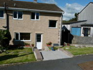 3 bedroom semi detached house to rent in Meadowside Close...