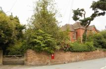 2 bed Flat in Glascoed, Hill Street...