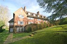Flat to rent in Cherry Drive, Forty Green