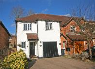 4 bed End of Terrace property in The Spinney, Beaconsfield