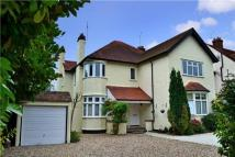 Flat to rent in Grove Road, Beaconsfield