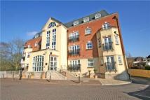 2 bed Flat to rent in Elmers Court...