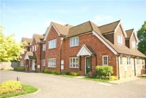 Flat to rent in Cherry Tree Court...
