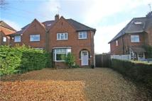 3 bed semi detached property to rent in Lakes Lane, Beaconsfield
