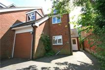 4 bedroom semi detached house to rent in Shepherds Lane...