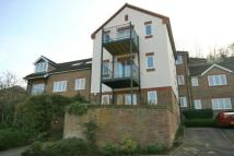 2 bedroom Flat to rent in Holly Place, Loudwater