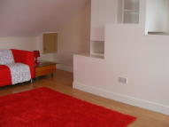Studio apartment in Hornsey Road, London, N7