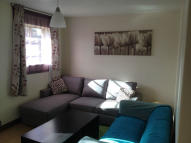Flat to rent in Farndale Avenue, London...