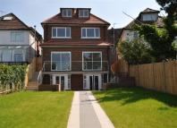 7 bed Detached home in Cranbourne Gardens...