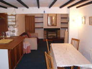 2 bed Ground Flat to rent in Hexham Road, New Barnet...
