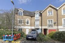 Flat to rent in Water Lane, SE14