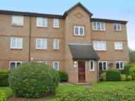 Flat to rent in Wedgewood Road, Hitchin...