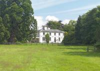 Country House to rent in Caynton, TF11
