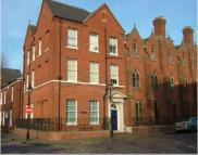 Flat to rent in George Street...