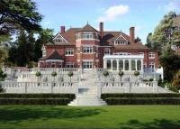 8 bedroom Detached house for sale in Canford Cliffs, Poole...