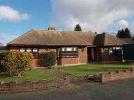 3 bed Detached Bungalow in Kenwood Avenue NEW BARN