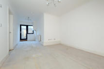 2 bed Apartment for sale in Moreton Road, London