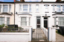 3 bed Terraced property for sale in Glenwood Road, London