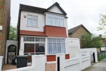 3 bedroom Detached home in Norman Avenue, Wood Green