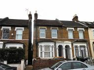 Flat in Bromley Road, London