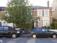 2 bedroom Flat in Grove Road, LONDON