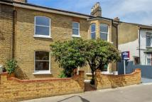 4 bed semi detached property for sale in Copeland Road, LONDON