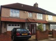 5 bed semi detached home to rent in Heathdale Avenue ...