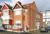 5 bed Terraced property to rent in Crescent Gardens...