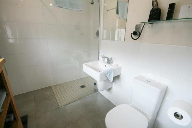 EN SUITE WET ROOM/WC