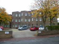 Flat to rent in Cromwell Court...