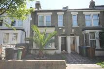Flat to rent in Borthwick Road...