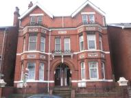 Flat to rent in Wood Green Road...