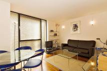 Apartment to rent in Bishops Gate EC2M